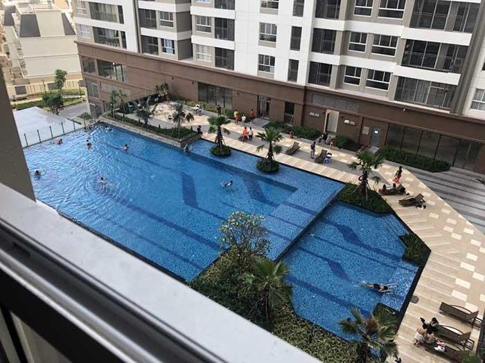 Hồ bơi Golden Mansion
