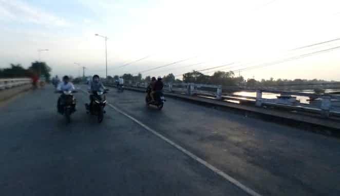 Cầu Chợ Cua nối phường 5 và phường 4 thành phố Vĩnh Long