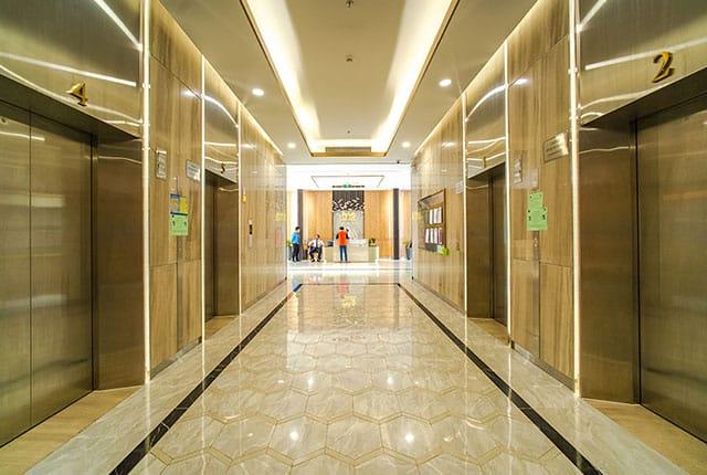 Sảnh đón và hệ thống thang máy SaigonMia