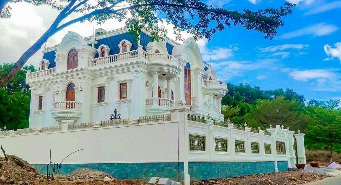 Đã có dinh thự đầu tiên sắp hoàn thành tại Biên Hòa New City